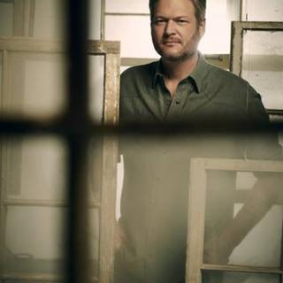"BLAKE SHELTON TO JOIN JIMMY FALLON FOR ""THE TONIGHT SHOW: AT HOME EDITION"" ON MONDAY, APRIL 13"